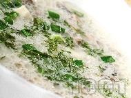Чорба / супа с гъби пачи крак, сметана, пресен зелен лук и чесън